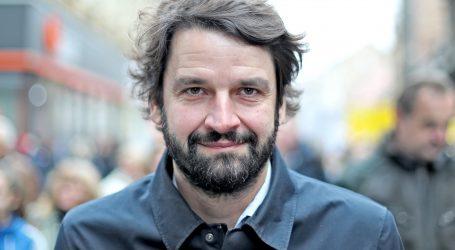 Jokić: 'Političari se brčkaju u plićaku i na jahtama, a djeca i roditelji čekaju odgovore'