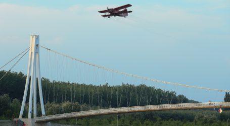 Osijek: Zbog problema na zrakoplovu odgođeno zaprašivanje komaraca