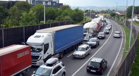 Tisuće Albanaca zapele na grčkoj granici zbog koronavirusa