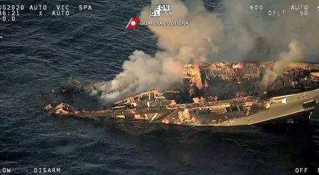 Luksuzna jahta izgorjela kod Sardinije, Hrvat kaže da nitko satima nije reagirao na poziv upomoć