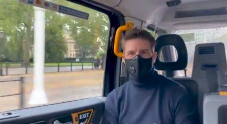 """Tom Cruise stavio masku, otišao u kino, i pogledao film """"Tenet"""""""
