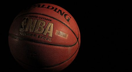 "NBA: Boston ""pomeo"" Philadelphiju"