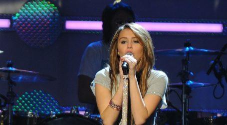 Miley Cyrus nastupa na ovogodišnjoj dodijeli MTV Music Video Awards