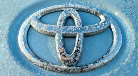 Pandemija prepolovila tromjesečnu prodaju Toyote