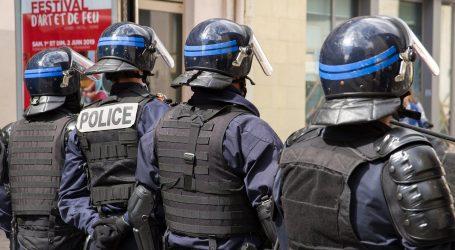 Otmičar iz Le Havrea pustio taoce i predao se policiji