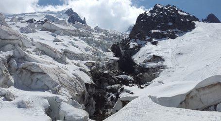 Ledenjak na Mont Blancu samo što se nije odlomio, traje evakuacija stanovnika
