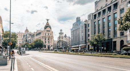 Španjolska pokrajina zbog korone zabranila pušenje na otvorenom