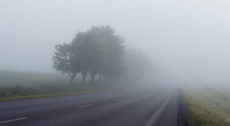 HAK: Magla mjestimice usporava promet, tijekom dana očekuje se gužva na cestama