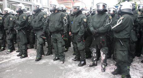 Policija je prekinula prosvjed u Berlinu protiv uvođenja novih Covid mjera