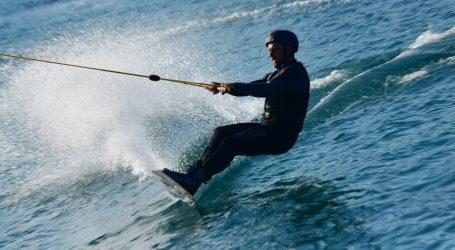 Odredbu socijalne udaljenosti poštuju i skijaši na vodi