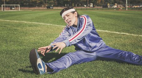 Nakon trčanja istegnite se užetom ili elastičnom trakom