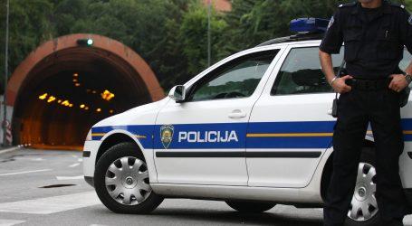Vlak naletio na osobno vozilo, jedna osoba poginula