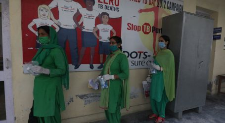 Indija otvara škole unatoč 89.700 novih slučajeva koronavirusa