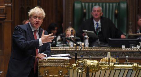 Johnson optužuje EU da prijetnjama želi blokirati trgovinu prehrambenim proizvodima između Britanije i Sjeverne Irske