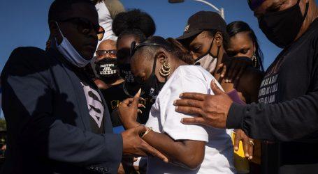Sukobi prosvjednika i policije na stoti dan prosvjeda protiv rasizma u Portlandu