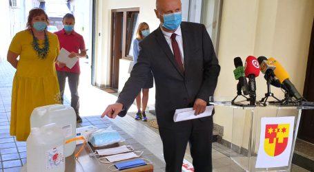Učenici u Krapinsko-zagorskoj županiji dobili prevelike maske, greška će biti ispravljena