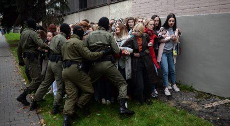 BJELORUSIJA: Prosvjedi nastavljeni, policija uhitila više desetaka prosvjednika