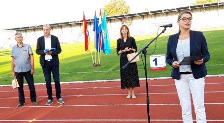 Vlada RH s tri i pol milijuna kuna financirala obnovu atletske staze u Karlovcu