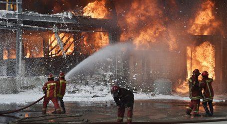 Mjesec dana nakon razorne eksplozije, u bejrutskoj luci izbio veliki požar