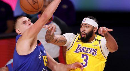 NBA: Davis tricom sa zvukom sirene donio Lakersima vodstvo 2:0
