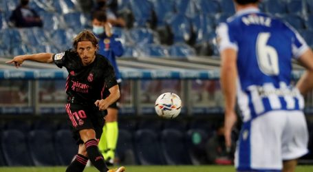 PRIMERA: Real Madrid i Real Sociedad odigrali bez pogodaka, Modriću 70 minuta