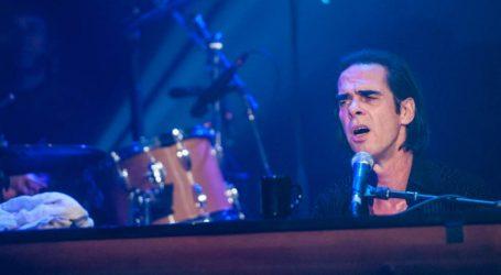 Nick Cave slavi 63. rođendan, odustao je od slikarstva da bi se posvetio glazbi