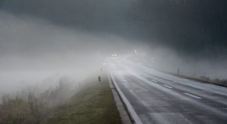 HAK: Kolnici mjestimice mokri i skliski, magla u unutrašnjosti