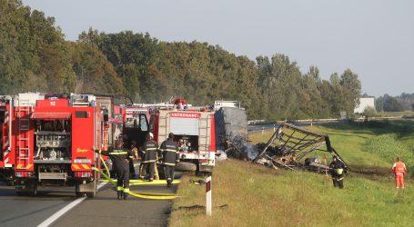 U teškoj prometnoj nesreći kod Rugvice dvije osobe poginule, vatra još onemogućuje očevid
