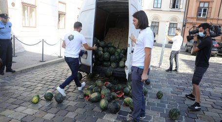 Kaos pred Vladom, Sinčić istovario hrpu lubenica na Markovom trgu