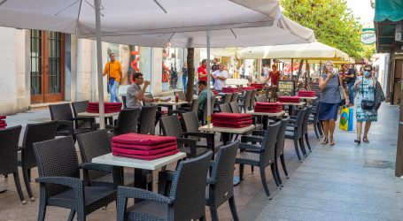 Češka uvodi policijski sat za barove i restorane zbog širenja koronavirusa