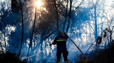 Čiovo: Jedan požar pod kontrolom, izbila tri nova