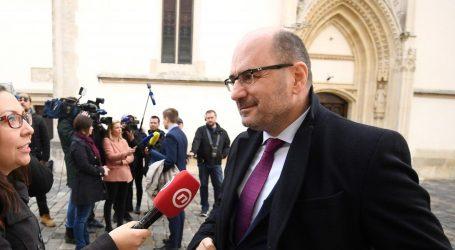 Nakon političke marginalizacije  Milijan Brkić zaposlio se u tvrtki Višeslava Vukojevića