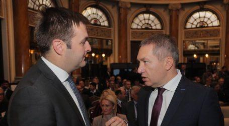 Kovačević tražio pravno mišljenje da vidi treba li staviti mandat na raspolaganje