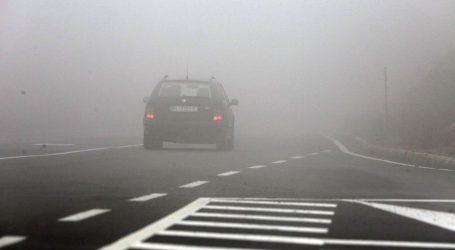 HAK: Magla smanjuje vidljivost, prometna nesreća na DC6