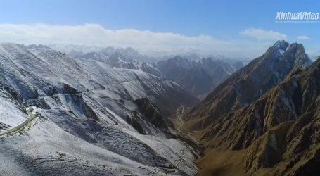 Jedna od najviših autocesta na svijetu obilazi 44 ledenjaka, ali i pustinje