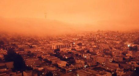 Pogledajte snimku neba iznad San Francisca oko kojeg bjesne požari