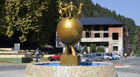 """U Srebrenici otkrili """"Spomenik miru"""""""