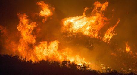 Požari širom američke zapadne obale, poginulo najmanje 7 ljudi