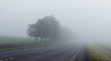 HAK: Magla smanjuje vidljivost, kolnici vlažni i skliski