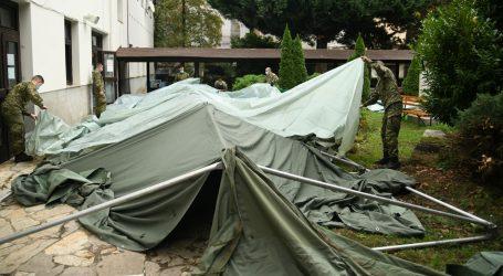 Vojska postavila šatore u Palmotićevoj – za služenje misa