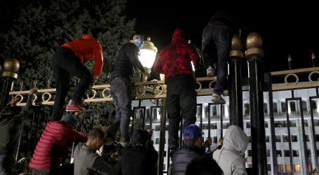 Predsjednik parlamenta Kirgistana odstupio nakon nereda