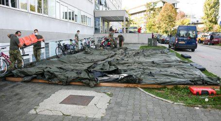 KBC Rebro sedma bolnica ispred koje je vojska postavila šatore