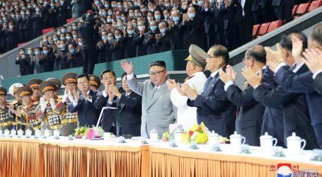 """Kimove 'krokodilske suze' izazvale sumnju u iskrenost: """"On je političar, to znači da je dobar glumac"""""""