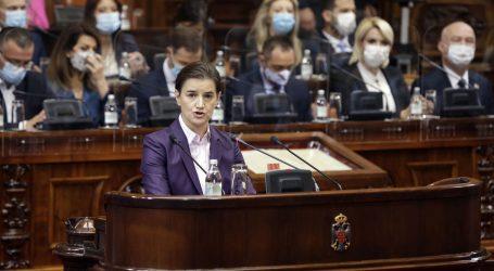 Srbija dobila novu vladu, uz premijerku Brnabić i deset ministrica