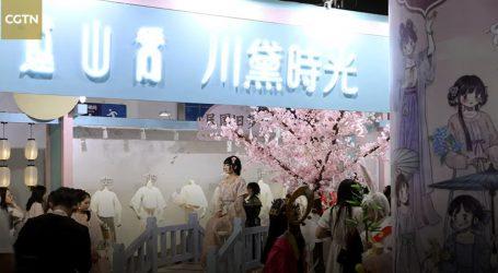 Kineski hanfu dizajneri predstavili tradicionalne haljine za posebne prigode