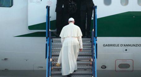 Bivši svećenici koji su zbog homoseksualnosti napustili Katoličku Crkvu kritiziraju izjave pape Franje