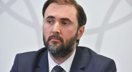 Hrvatska liječnička komora oštro osudila napade na liječnike i novinare
