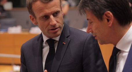 """Francuski predsjednik stigao u Nicu: """"Francuska je pod napadom islamista, ali neće odustati od svojih vrijednosti"""""""