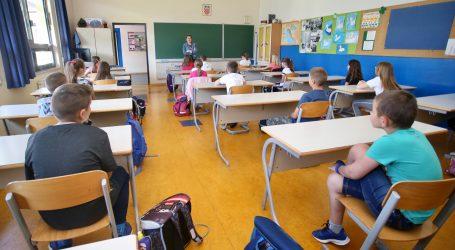 Virus sve više ulazi u sustav obrazovanja, škole sve češće primjenjuju online nastavu
