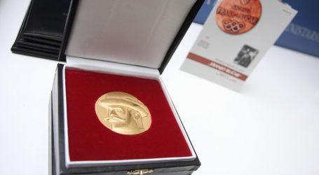 "Državna nagrada ""Franjo Bučar"" za životno djelo Kosteliću, Skansiju i Trumbiću"